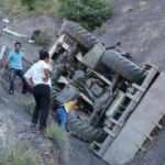 Freni patlayan iş makinesi uçurumdan uçtu: 1 ölü
