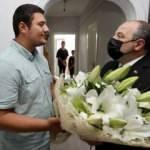Bakan Varank darbedilen basın mensubunu ziyaret etti