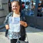 Okumanın yaşı yok... 70 yaşındaki kadın sınava girmek için torunlarıyla geldi