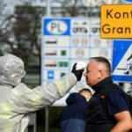 Polonya, İngiltere'den gelen yolculara 1 haftalık zorunlu karantina uygulayacak