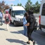 Sınava öğrenci taşıyan servis arızalandı, öğrencilerin imdadına polis yetişti