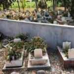 4 mezar, mezarlığın dışında kalınca, yapılan duvar geri yıkıldı