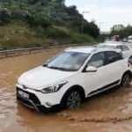 Sağanak yağış Bursa-Yalova yolunda sürücülere zor anlar yaşattı