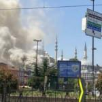 Eminönü'nde korkutan yangın! Dumanlar sardı