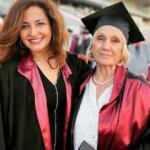 Nimet Süner 74 yaşında Cerrahpaşa Tıp Fakültesi'nden mezun oldu