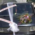 13 yıllık evliliği bitti, arabasına 'çok mutluyum, boşanıyoruz' yazdırdı