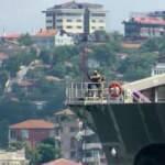ABD savaş gemisi Boğaz'dan geçti: Dikkat çeken detay!