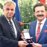 Almanya'dan TOBB Başkanı Hisarcıklıoğlu'na devlet nişanı