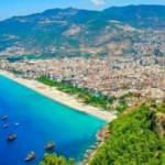 Antalya'ya turist yağdı: Ruslar zirveyi bırakmadı