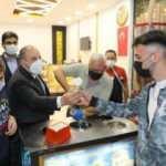 Bakan Varank Sivas'ta vatandaşlara dondurma ikramında bulundu