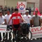 Evlat nöbetindeki anneler için bisikletle bin 700 kilometre gitti