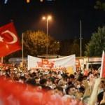 AK Parti İstanbul İl Başkanlığı önünde 15 Temmuz şehitleri anıldı