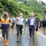 Bakan Karaismailoğlu, sel felaketinin etkilenen Güneysu'da incelemelerde bulundu