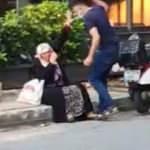 Sokak ortasında annesini darp eden silahlı saldırgan yürekleri ağza getirdi