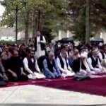 Afganistan'da bayram namazı sırasında cumhurbaşkanlığı sarayına saldırı
