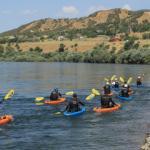 Bingöllü gençler kürek çekmeyi sevdi: Murat Nehri'nde kano keyfi