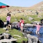 Doğal göl, doğaseverlerin akınına uğradı