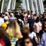 İngiltere'de 600 bin kişiye  kovid-19 uyarı mesajı gönderildi