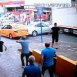 Maltepe'de freni boşalan kamyon araçların üzerine böyle daldı!