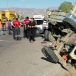 Erzincan'da feci kaza! Tarım işçilerini taşıyan traktör ile kamyon çarpıştı