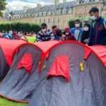 Paris'te 400 evsiz çadır kurdu çadır kurdu