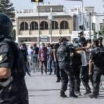 Tunus'ta neler oluyor: Siyasal darbenin arka planı!