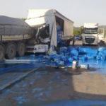 Bursa'da korkunç kaza! Boyalar yola saçıldı