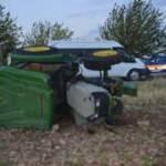 Devrilen traktördeki kuzenlerden biri öldü, diğeri yaralandı