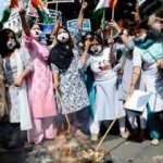 Hindistan 9 yaşındaki çocuğa tecavüz ve katledilmesine karşı ayakta