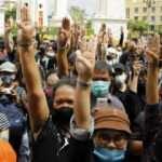 """Tayland'da göstericiler """"monarşide reform"""" için eylem yaptı"""
