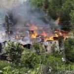 Yusufeli'nde ahşap 10 ev yandı
