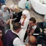 Afyonkarahisar'da kahkahaya boğan düğün! Damadın arkadaşlarından 6 kangal sucuk
