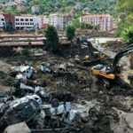 Felaket bölgesinde çalışmalar aralıksız devam ediyor
