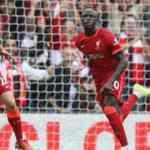 Seyircisiyle buluşan Liverpool, Burnley'i rahat geçti