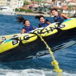 Yaz tatilinin en sevilen aktivitesi su sporları