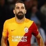 Galatasaray taraftarından Arda Turan'a sevgi gösterisi