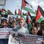 Gazzeli çocuklardan İsrail ablukasına balonlu protesto
