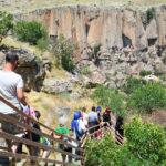 Ihlara Vadisi'nin 7 kilometrelik yolu turistleri yıldırmıyor
