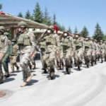 Milli Savunma Bakanı Hulusi Akar Afganistan'dan dönen askerlerle bir araya geldi