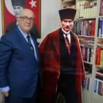 Noterlikten emekli oldu, Atatürk kitaplarıyla kütüphane oluşturdu