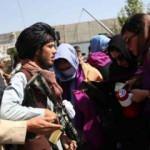 Afganistan'da kadınların eylemine Taliban müdahalesi
