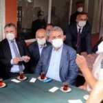 Başkan Erdoğan, mahalle kıraathanesinde çay içti