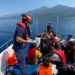 Ölüme terk edilen 68 düzensiz göçmeni Türk Sahil Güvenlik kurtardı