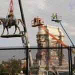 ABD'de kölelik yanlısı General Lee'ye ait tartışmalı heykel yıkıldı