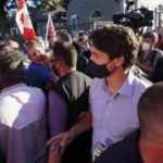 Kanada Başbakanı Trudeau'ya taşlı saldırı