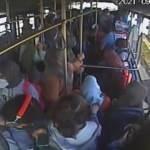 Otobüste yürekler ağza geldi! Baygınlık geçiren yolcuyu hastaneye böyle yetiştirdi