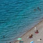 Sakin bir Antalya tatili sizi bekliyor... Sahiller boş kaldı