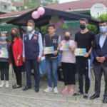 Sel mağduru Ayancık'ta öğretmen ve öğrencilere tablet verildi