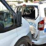 Adıyaman'da minibüs, ekip aracına çarptı: 2 polis yaralı
