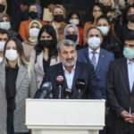 """AK Parti Ankara İl Başkanlığı, Adnan Menderes ve """"demokrasi şehitleri""""ni andı"""
